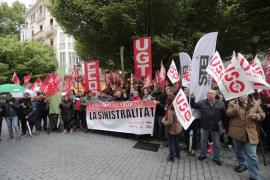 Más de un centenar de personas se concentran en Palma contra la precariedad y siniestralidad laboral