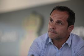 Sergi Barjuan a sus futbolistas: «Dejad el miedo en el vestuario»