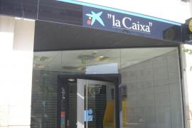 CaixaBank abrirá 290 oficinas por las tardes y pacta prejubilaciones y 450 contrataciones