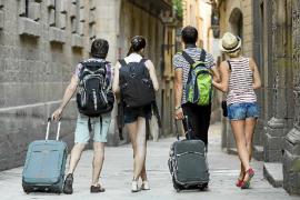 El Govern limitará el número de viviendas turísticas que podrá alquilar cada propietario