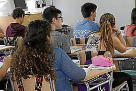 La enseñanza pública supera a la concertada en 12 puntos en escolarización en catalán