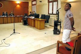 Un hombre niega en la Audiencia que violara a su hijastra de ocho años de edad en Palma