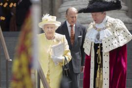 Reunión de urgencia en el palacio de Buckingham ante un inminente anuncio
