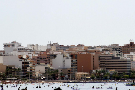 Comienzan a evaluar los anteproyectos de rehabilitación de viviendas en la Platja de Palma