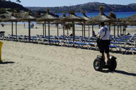 El Ajuntament de Calvià presenta un operativo de verano para las playas