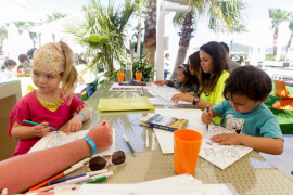 Fiesta solidaria de Ocean Beach Ibiza