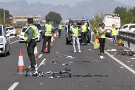 Dos ciclistas mueren y tres resultan heridos graves al ser arrollados por un coche en Valencia