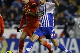 El Sevilla remonta en inferioridad, pero Laure rescata un punto