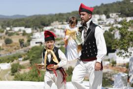 Santa Eulària celebra el Primer Diumenge de Maig (Fotos: Arguiñe Escandón)