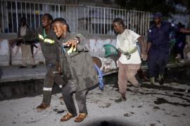 Al menos 7 muertos y 15 heridos en un atentado con coche bomba en Mogadiscio