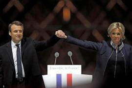 Emmanuel Macron y Brigitte Trogneux, una historia de amor nada convencional