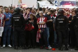 Veinticinco heridos en los prolegómenos del Atlético-Real Madrid
