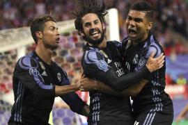 El Madrid resiste en el Calderón y se clasifica para la final