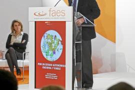 Aznar: «España no puede competir con éxito en Europa con 17 mini-estados»