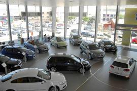 Los concesionarios de coches acumulan caídas de ventas de hasta el 30% desde julio