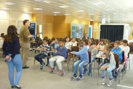 Alumnes de 3er, 4rt, 5è i 6è de primària del Ceip Nadal Campaner i Arrom de Costitx visitaren Grup Serra i Endesa