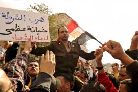 Mubarak se resiste a dimitir pese a la marea humana de la 'marcha del millón'