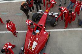 Alonso ya rueda en Cheste con el F150