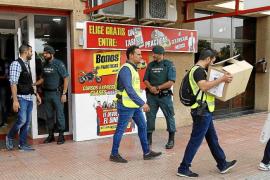 Un examinador de Tráfico, entre los 12 detenidos por la compra de permisos de conducir