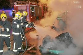 Condenado a tres años y medio un pirómano por quemar tres contenedores en Palma