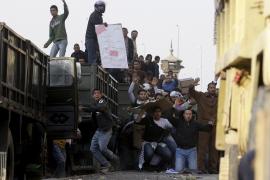 Continúan los enfrentamientos en El Cairo, que se han cobrado ya 13 víctimas