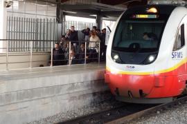 Usuarios del tren denuncian «escarnios públicos y maltrato verbal» por parte del personal