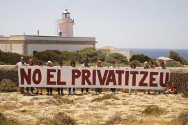 Varias asociaciones proponen un uso público no comercial para el faro de Cap Blanc