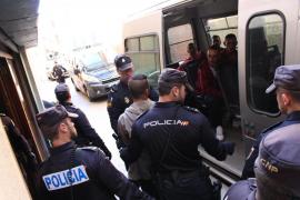 Pasan a disposición judicial los inmigrantes que llegaron en tres pateras a Mallorca
