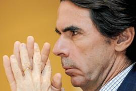 Aznar: «Sólo privatizar por completo las cajas saneará el sistema»