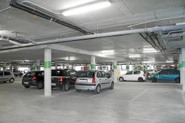 Los ciudadanos y los trabajadores de Son Espases empezarán hoy a pagar por aparcar