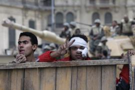 Decenas de miles de egipcios rezan en Tahrir en el «Día de la salida»