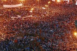 El clamor arrincona a Mubarak