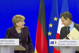 La UE recibe con recelos el pacto de competitividad de Merkel y Sarkozy