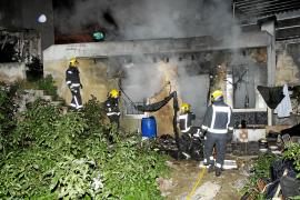 Dos intoxicados al arder su caseta cuando hacían fuego para calentarse en Palma