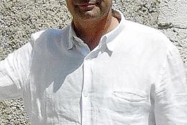 La oposición pide a Torres que rectifique por poner en entredicho a la Benemérita