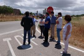 Los técnicos del Consell revisarán las carreteras de Maria de la Salut para mejorar los puntos conflictivos