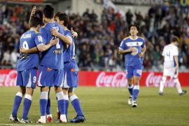 El Getafe «baila» al Deportivo al ritmo de Casquero y Gavilán