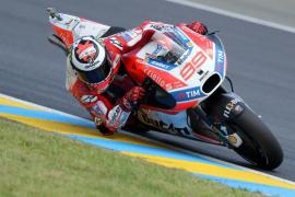 Lorenzo remonta hasta la sexta posición en Le Mans, donde Viñales logra la victoria en un apretado final con Rossi