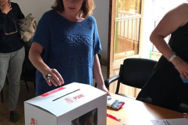 Francina Armengol: «Hemos votado con ilusión el futuro del PSOE»