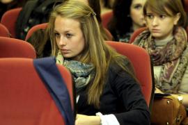 La UIB da la bienvenida a 104 estudiantes de intercambio