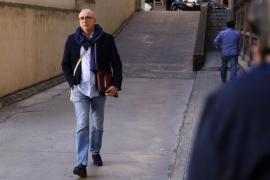 Subirán juega al 'pilla pilla' con sus escoltas, según un informe policial enviado a Madrid