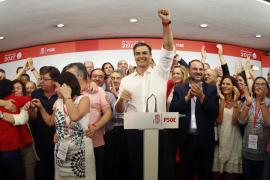 Sánchez proclama que ha ganado el PSOE, que es más «creíble y grande»