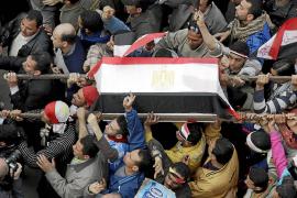 Los manifestantes se instalan en el centro de El Cairo pese al diálogo político