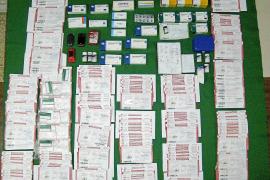 Los ocho detenidos por traficar con recetas defraudaron 25.000 euros