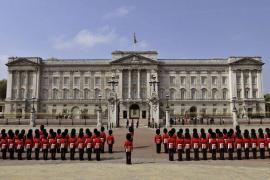 Vigilancia en el palacio de Buckingham, el Parlamento y las embajadas