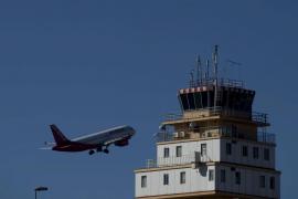 Nueva Canarias acuerda con el Gobierno un descuento aéreo y de barco del 75%