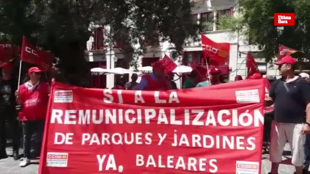 Los trabajadores de Parques y Jardines exigen a Hila la remunicipalización del servicio