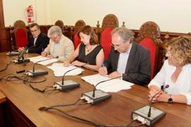 El Govern y el Ajuntament firman el convenio para un nuevo centro de infantil y primaria en Alcúdia