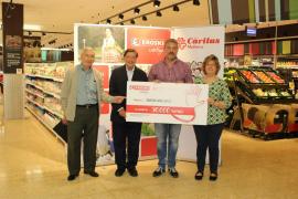 Eroski entrega a Cáritas Mallorca los 30.000 euros recaudados con la campaña 'Compromís per la dignitat'