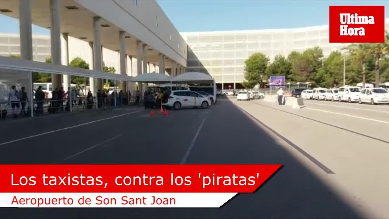Los taxistas se agrupan para controlar la situación en el aeropuerto de Palma